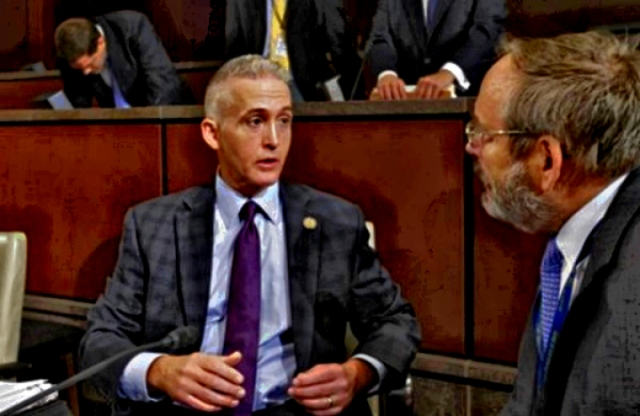 Gowdy meeting with Benghazi Select Committee Executive Director Philip Kiko at first hearing.